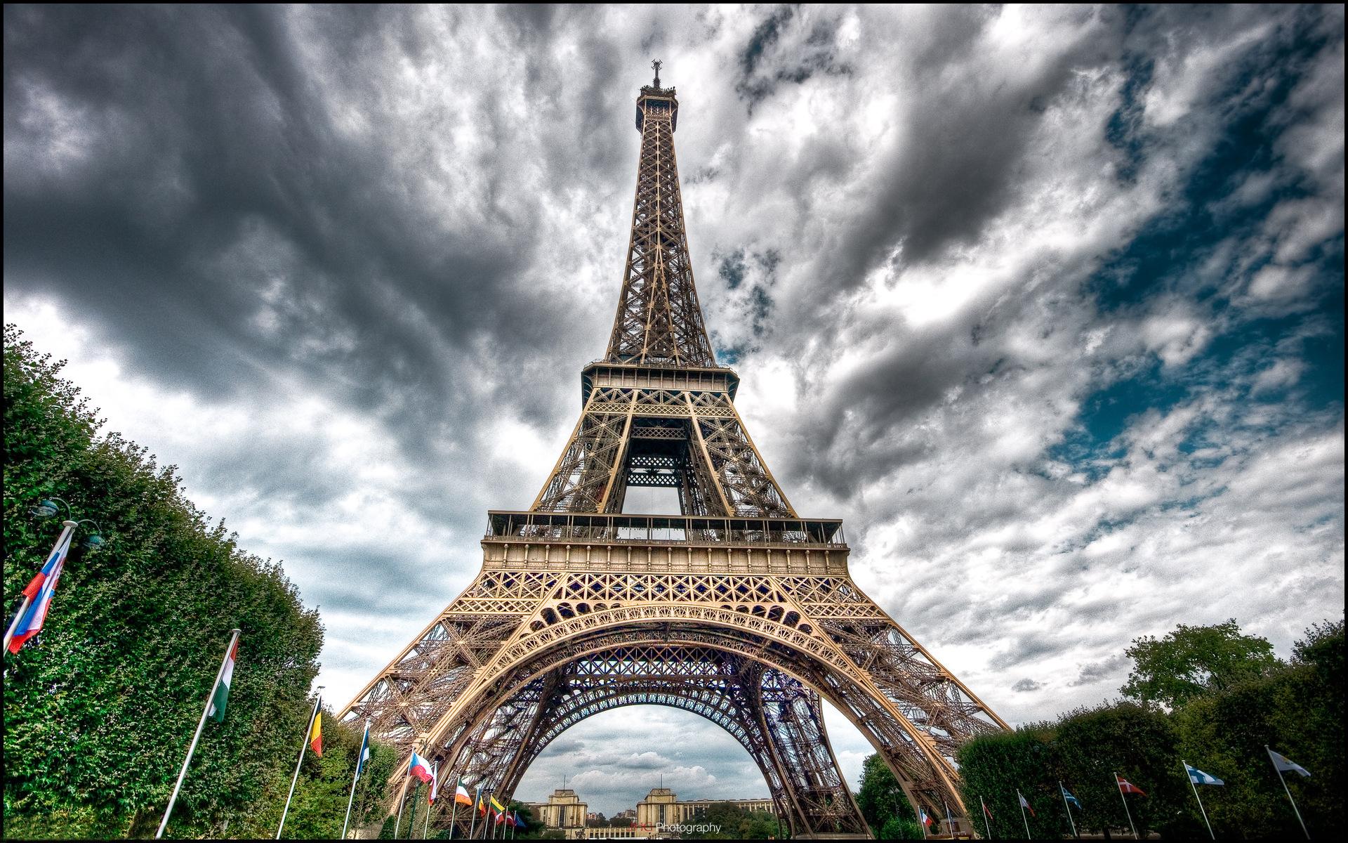 于1889年建成,得名于设计它的著名建筑师,结构工程师古斯塔夫·埃菲尔图片