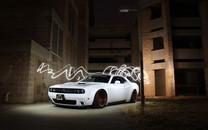 白色酷炫跑车图片壁纸