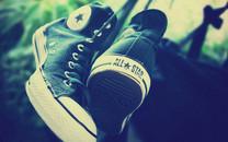 匡威帆布鞋唯美风格桌面壁纸