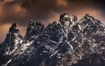 平地云海唯美天然风景图片壁纸