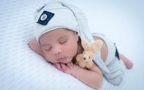 刚诞生的婴儿高清图片壁纸