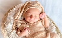 刚诞生的婴儿图片素材壁纸