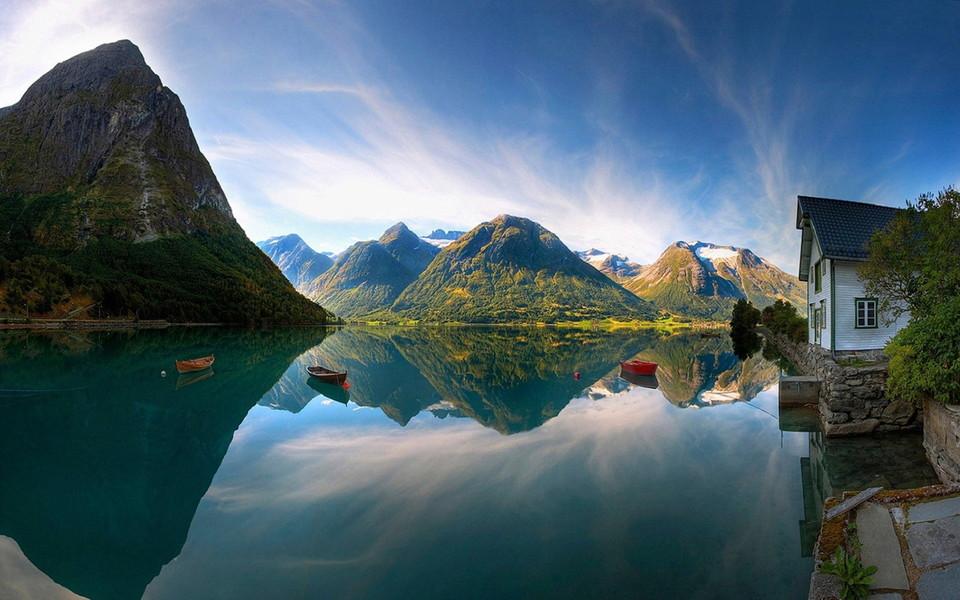 山水相映唯美自然风景桌面壁纸
