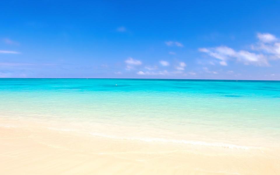 电脑壁纸 唯美意境壁纸 湛蓝的大海风景壁纸下载