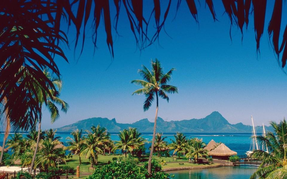 热带岛屿海滩高清风景壁纸
