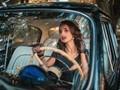 美艳女司机图片壁纸