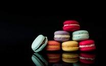 美味可口的五彩甜点马卡龙图片壁纸