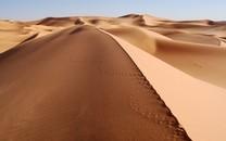 一望无际的沙漠图片高清壁纸