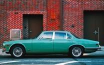 炫酷时尚豪华汽车图片壁纸