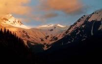 最美的雪山高清图片壁纸2