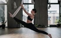 瑜伽美女图片高清壁纸