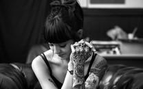 纹身女孩大图电脑壁纸
