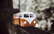 精致可爱的玩具汽车图片壁纸