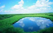 蓝天白云草原湖泊风光壁纸