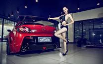 性感辣妹钟情RX-8车模桌面壁纸