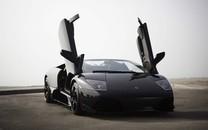 黑色跑车图片壁纸