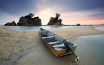 乘风破浪的小船美景图片壁纸2