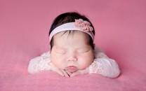 拍摄新生婴儿熟睡图片壁纸