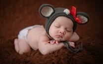 胖乎乎的新生婴儿图片壁纸
