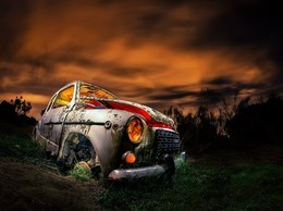 非主流汽车的报废颓废图片壁纸